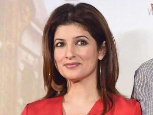 Akshay kumar wife name and age